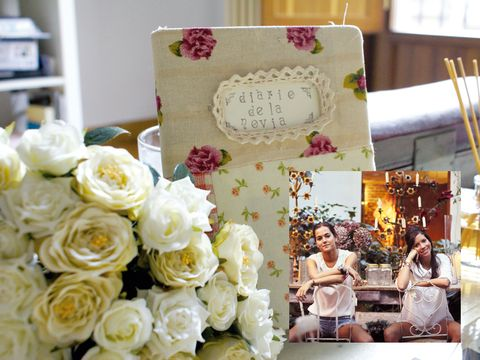 Petal, Bouquet, Cake, Flower, Shelf, Pink, Dessert, Baked goods, Flowering plant, Floristry,