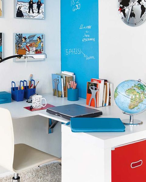 Table, Interior design, Turquoise, Teal, Office supplies, Paint, Picture frame, Dishware, Serveware, Circle,