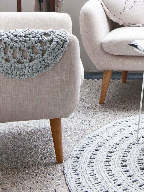 Floor, Flooring, Furniture, Grey, Beige, Carpet, Armrest, Cobblestone, Tile flooring, Tile,