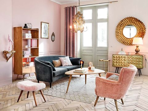 Living room, Furniture, Room, Interior design, Property, Coffee table, Table, Pink, Floor, Wall,