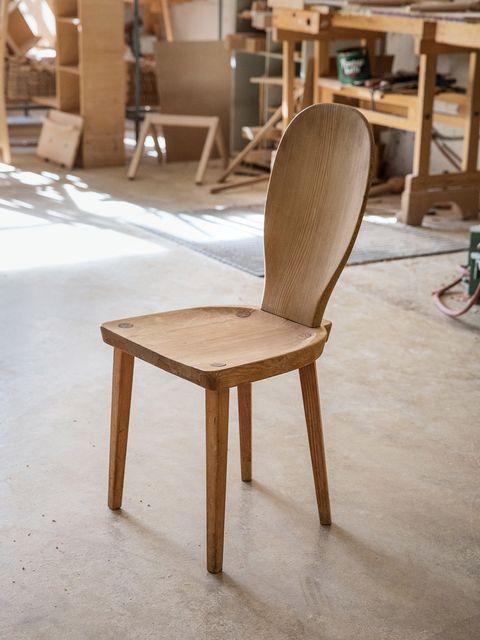 Wood, Brown, Hardwood, Floor, Furniture, Flooring, Chair, Room, Wood stain, Tan,