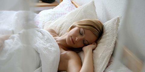 Nose, Human, Lip, Comfort, Skin, Textile, Bedding, Linens, Eyelash, Bed sheet,