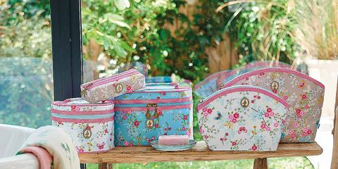 Bag, Textile, Luggage and bags, Creative arts, Fawn, Craft, Linens, Shoulder bag, Needlework, Pattern,