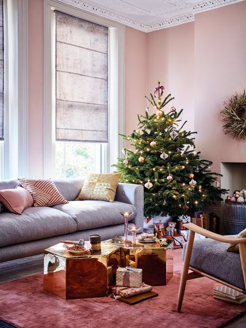 Living room, Room, Interior design, Christmas tree, Christmas decoration, Furniture, Home, Property, Yellow, Tree,