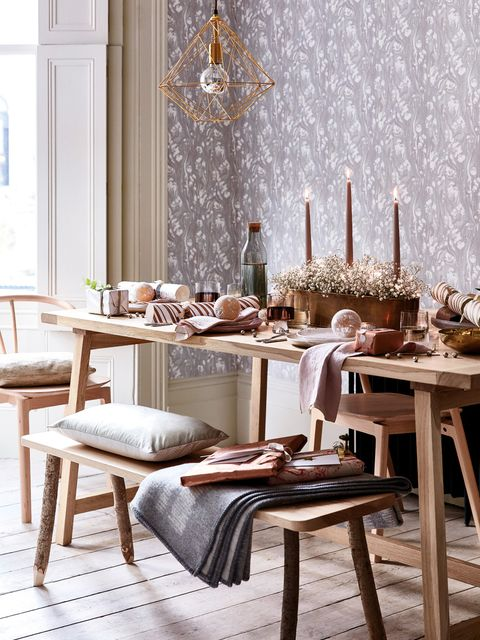 Dining room, Room, Furniture, Table, Chair, Interior design, Branch, Tablecloth, Kitchen & dining room table, Restaurant,