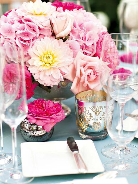 Petal, Glass, Drinkware, Serveware, Stemware, Flower, Dishware, Bouquet, Pink, Tableware,