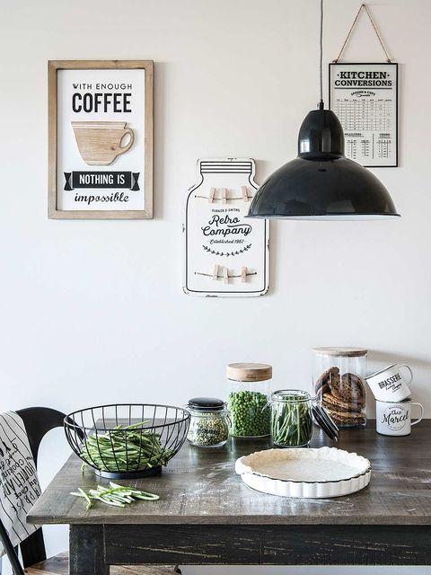 Table, Room, Furniture, Wall, Interior design, Shelf, Coffee table, Serveware, House, Dishware,