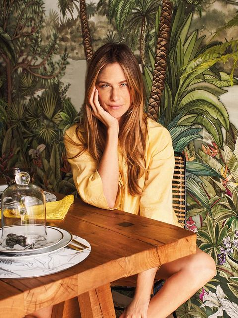 Beauty, Sitting, Photo shoot, Tree, Brown hair, Table, Long hair, Summer, Photography, Model,