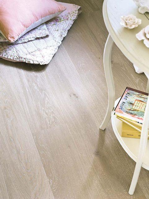 Dishware, Floor, Flooring, Serveware, Wood flooring, Home accessories, Linens, Outdoor furniture, End table, Porcelain,