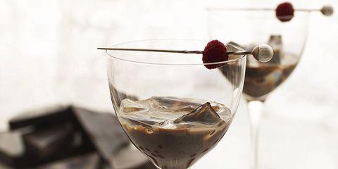 Stemware, Glass, Drinkware, Wine glass, Barware, Dishware, Drink, Tableware, Liquid, Red,