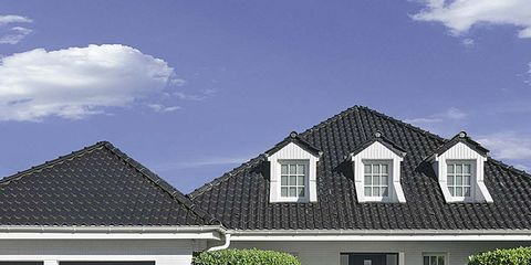 Property, House, Residential area, Home, Roof, Real estate, Building, Facade, Shrub, Hedge,
