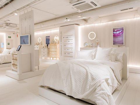 Furniture, Room, Bed, Interior design, Bedroom, Bed sheet, Property, Bedding, Ceiling, Lighting,