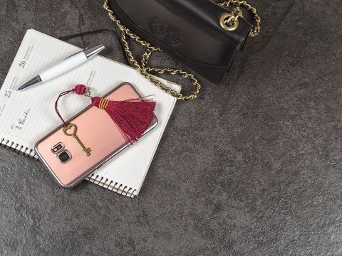 Fashion accessory, Pink, Bag, Material property, Handbag, Font, Chain, Wallet, Leather, Silver,