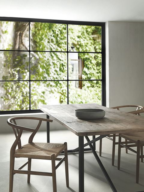 Furniture, Room, Table, Interior design, Property, House, Dining room, Wall, Chair, Coffee table,
