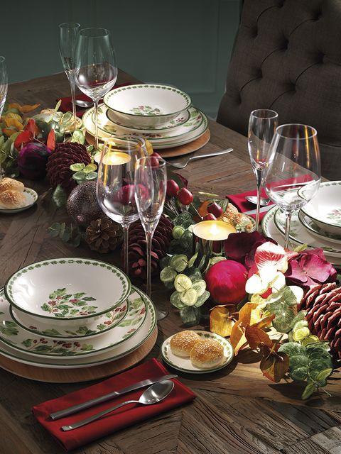 Food, Dishware, Meal, Table, Dish, Tableware, Stemware, Plate, Champagne stemware, Textile,