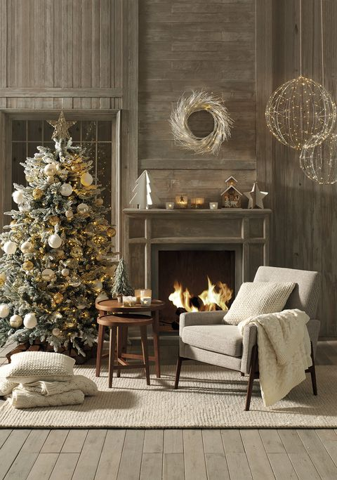 Room, Living room, Interior design, Furniture, Christmas tree, Christmas decoration, Wall, Ornament, Table, Tree,