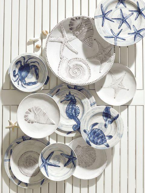 Blue and white porcelain, Dishware, Dinnerware set, Porcelain, Tableware, Plate,