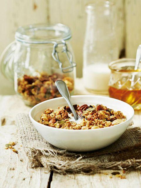 Food, Ingredient, Drink, Cuisine, Breakfast, Breakfast cereal, Serveware, Tableware, Drinkware, Alcoholic beverage,
