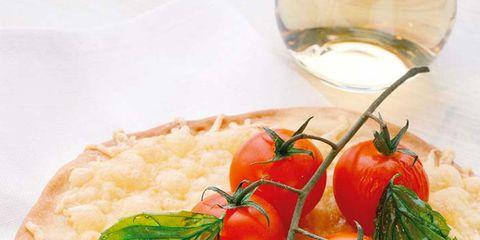 Food, Ingredient, Produce, Vegetable, Finger food, Leaf vegetable, Glass, Baked goods, Cuisine, Garnish,
