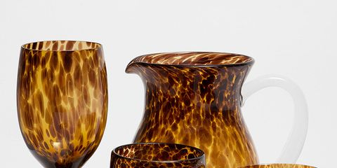 Serveware, Glass, Drinkware, Dishware, Tableware, Stemware, Amber, Barware, earthenware, Artifact,