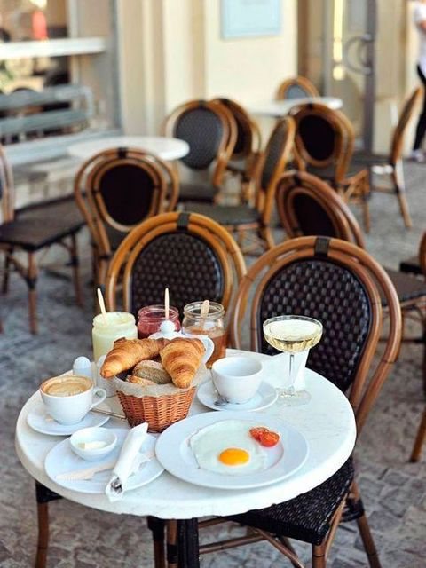 Brunch, Meal, Breakfast, Table, Dining room, Furniture, Room, Serveware, Restaurant, Chair,