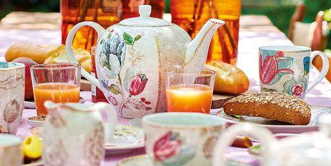 Serveware, Dishware, Drinkware, Tableware, Table, Bottle, Petal, Orange, Centrepiece, Cup,