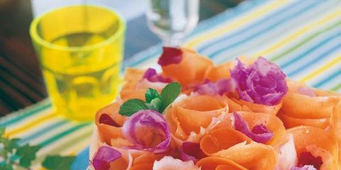 Serveware, Dishware, Food, Ingredient, Tableware, Cuisine, Plate, Dish, Garnish, Recipe,