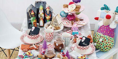 Food, Cake decorating, Sweetness, Cake, Dessert, Buttercream, Birthday party, Icing, Baked goods, Cuisine,