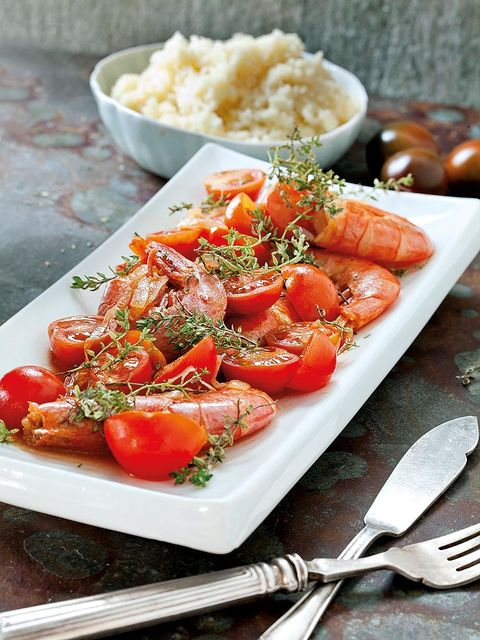Food, Cuisine, Dishware, Ingredient, Tableware, Produce, Kitchen utensil, Cutlery, Dish, Plum tomato,