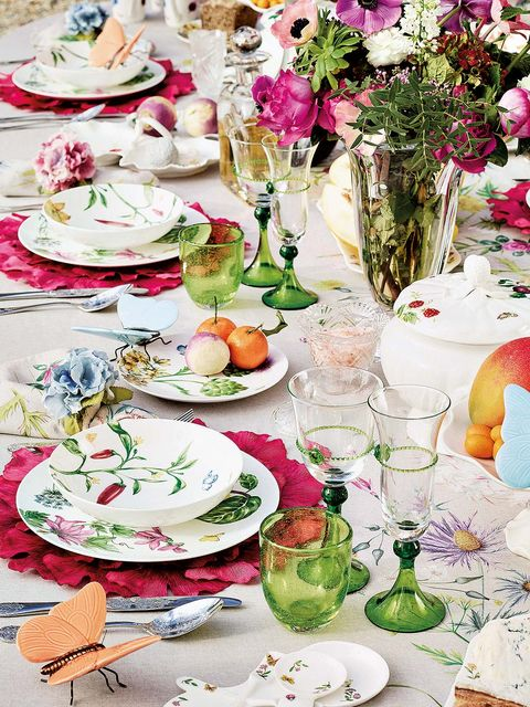 Serveware, Dishware, Cuisine, Tableware, Porcelain, Food, Pink, Petal, Meal, Drinkware,