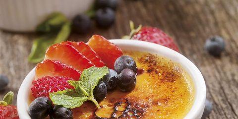Dish, Food, Cuisine, Crème brûlée, Ingredient, Custard, Dessert, Produce, Recipe, Dairy,