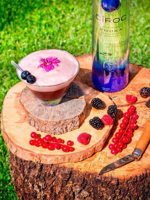 Drinkware, Purple, Bottle, Glass, Lavender, Liquid, Drink, Ingredient, Violet, Magenta,