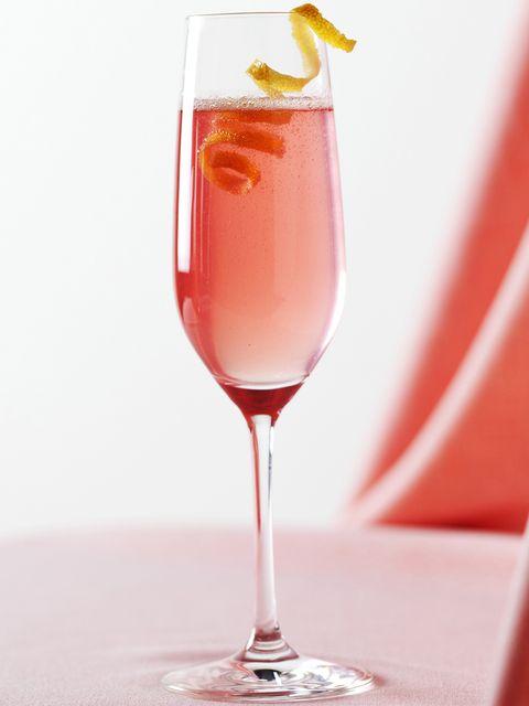 Drink, Champagne cocktail, Alcoholic beverage, Cocktail, Non-alcoholic beverage, Juice, Wine cocktail, Bellini, Rose, Champagne stemware,