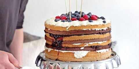 Serveware, Sweetness, Cuisine, Drinkware, Food, Ingredient, Dessert, Cake, Baked goods, Cup,