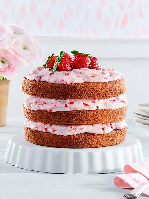 Dish, Food, Cuisine, Dessert, Strawberry, Strawberries, Cake, Buttercream, Baked goods, Ingredient,