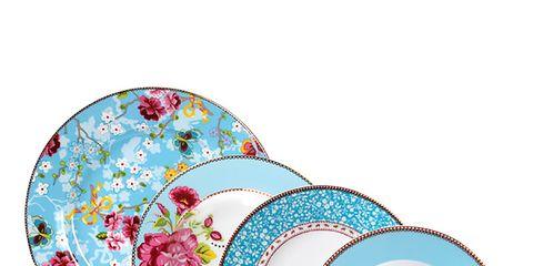 Serveware, Dishware, Cup, Teacup, Drinkware, Porcelain, Art, Coffee cup, Ceramic, Saucer,