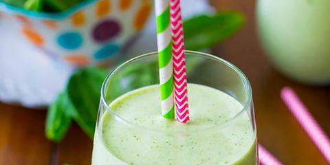 Green, Health shake, Drink, Vegetable juice, Juice, Smoothie, Aojiru, Ingredient, Non-alcoholic beverage, Drinking straw,