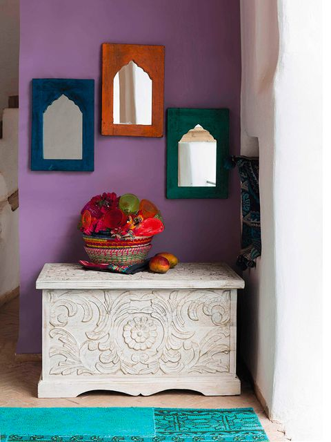 Room, Interior design, Wall, Teal, Interior design, Turquoise, Mirror, Serveware, Paint, Still life photography,