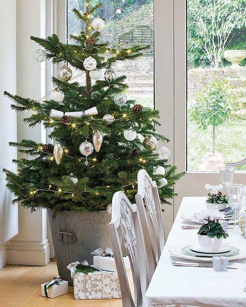 Interior design, Room, Christmas decoration, Home, Christmas tree, Interior design, Holiday, Fixture, Christmas ornament, House,