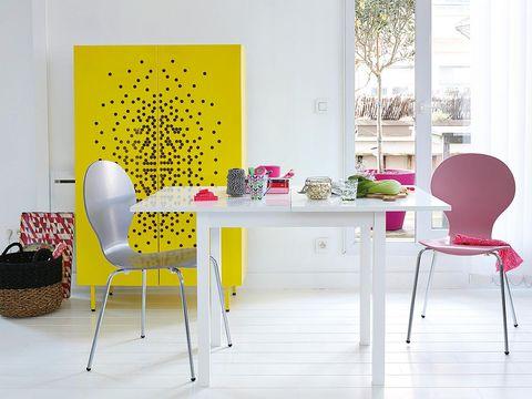 Room, Interior design, Floor, Furniture, Table, Interior design, Material property, Wallpaper, Design, Decoration,