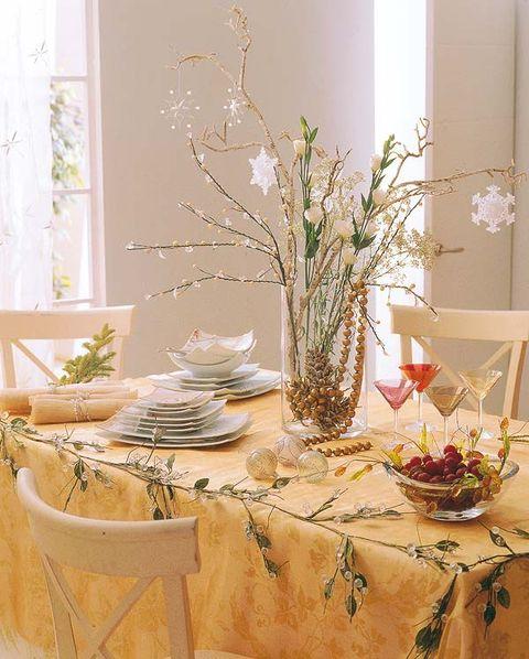 Tablecloth, Interior design, Room, Serveware, Branch, Table, Dishware, Interior design, Furniture, Linens,