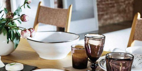 Serveware, Dishware, Drinkware, Barware, Glass, Tableware, Table, Porcelain, Furniture, Drink,
