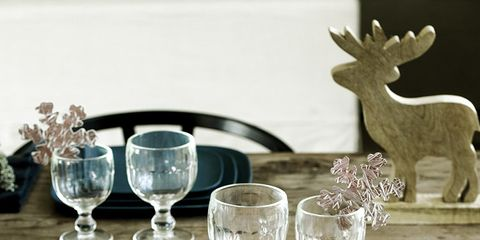 Serveware, Dishware, Glass, Drinkware, Stemware, Tableware, Barware, Cutlery, Kitchen utensil, Plate,