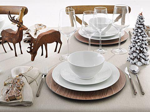 Serveware, Dishware, Tablecloth, Table, Tableware, Saucer, Deer, Drinkware, Plate, Porcelain,