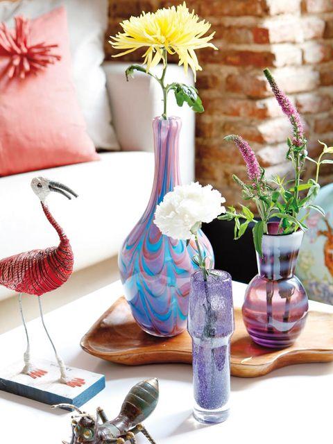 Flower, Petal, Serveware, Purple, Bird, Artifact, Lavender, Bouquet, Centrepiece, Interior design,