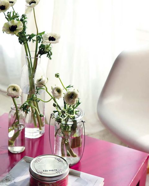 Flower, Petal, Artifact, Cut flowers, Interior design, Bouquet, Vase, Floristry, Centrepiece, Flower Arranging,