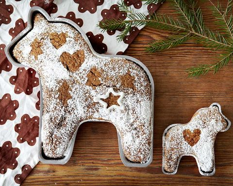 Gingerbread, Canidae, Animal figure, Sporting Group, Fawn, Liver,