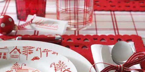 Serveware, Dishware, Red, Ribbon, Porcelain, Plate, Carmine, Home accessories, Ceramic, Platter,