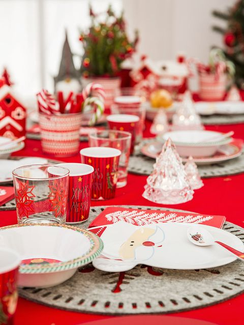 Red, Decoration, Table, Tableware, Tablecloth, Christmas eve, Christmas decoration, Event, Food, Christmas,