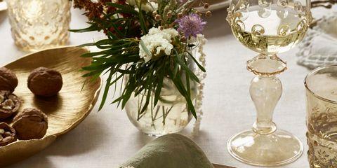 Serveware, Dishware, Glass, Table, Stemware, Tableware, Drinkware, Bouquet, Centrepiece, Home accessories,